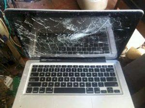 thay màn laptop bị bể . hỏng bể mực màn